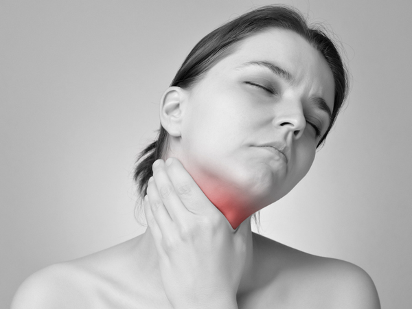 what are the causes of thyroid cancer