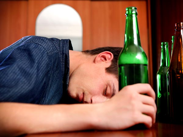 ways alcohol can cause certain cancer