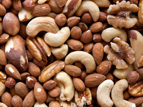 Are Women Who Eat Nuts Healthier