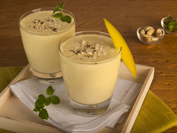How to Prepare Sweet Dry Fruit Lassi
