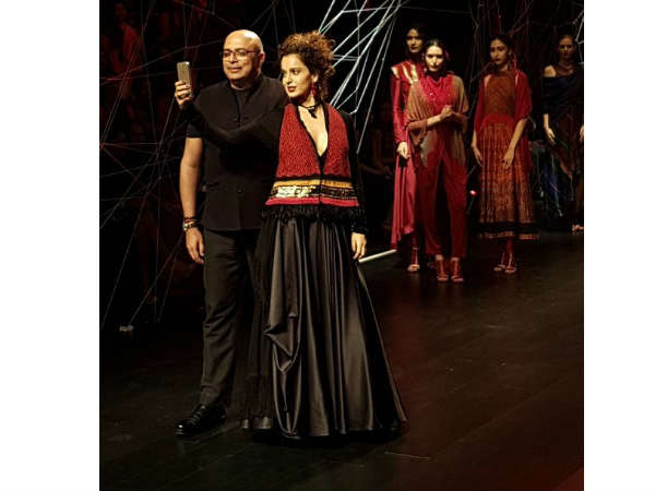 Kangana Ranaut Walks For Tarun Tahiliani At Lakme Fashion Week W/F 2016