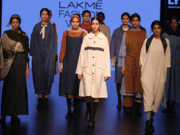 Holy Wow! Padmaja Takes Over The Lakme Fashion Week Stage Like It's No Big Deal
