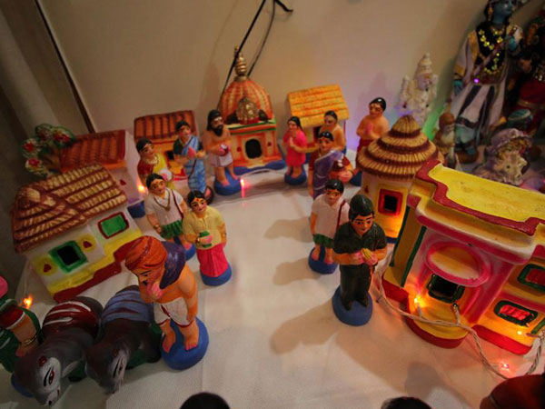Diffe Ways Dasara Doll Festival Is Celebrated