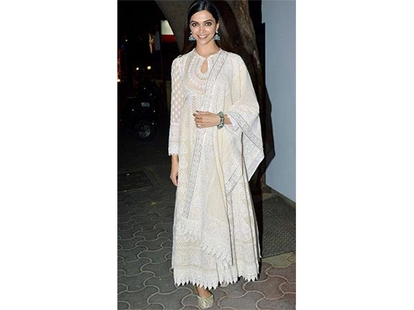 15 Looks Of Deepika Padukone That Will Make Your White More Often