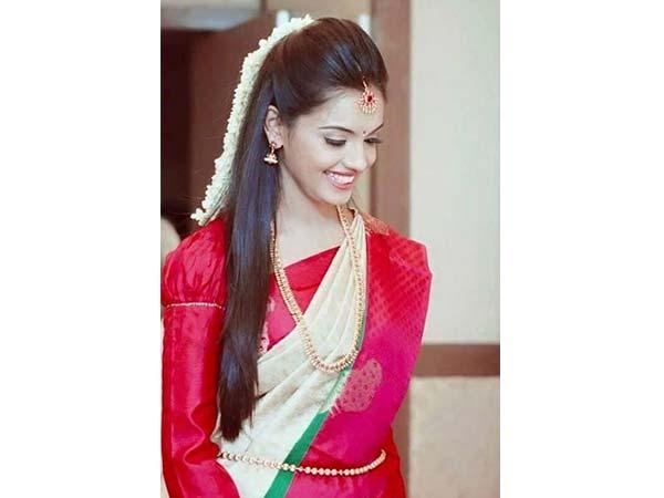 10 Gajra Hairstyles To Try On Kerala (Kasavu) Sarees This ...