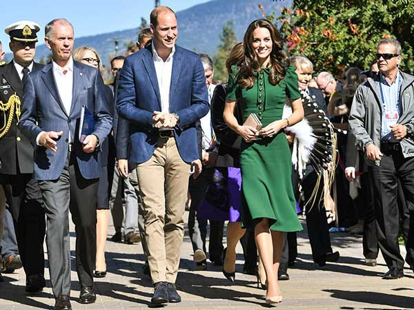 On Royal Tour Canada 2016: Kate Middleton Dazzles In Dolce & Gabbana Green Dress