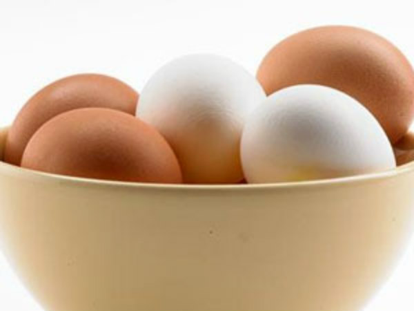 Ever Wondered What The Difference Between A White & Brown Egg Is?