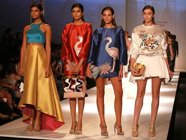 Amazon india fashion week spring summer 2017 aifwss 2017 for Italian fashion websites