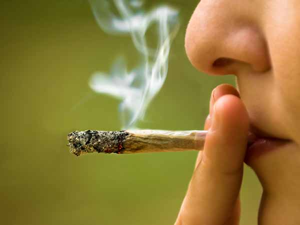 Smoking Weed May Reduce Your Creativity