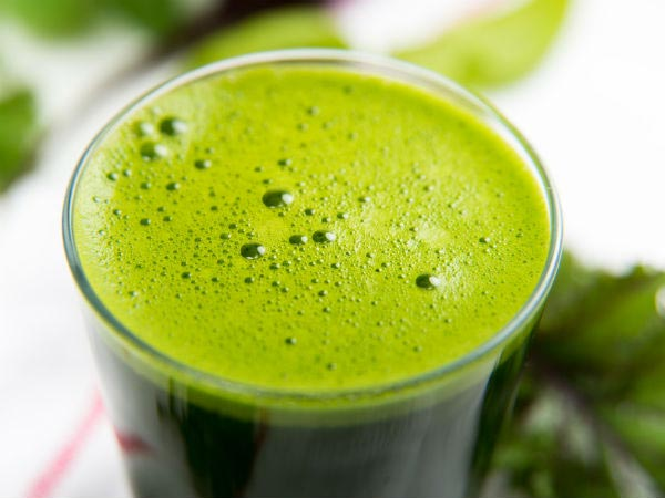 This One Green Drink Helps Prevent Muscle Cramps & Breakage Of Bones