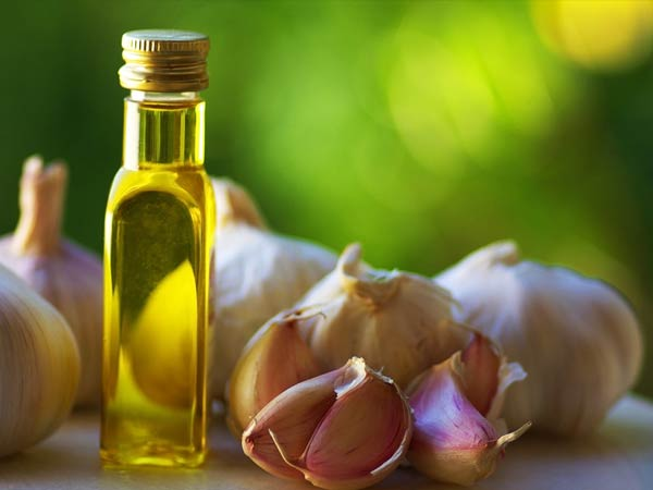 This Natural Oil Helps Treat Arthritis Pain Effectively
