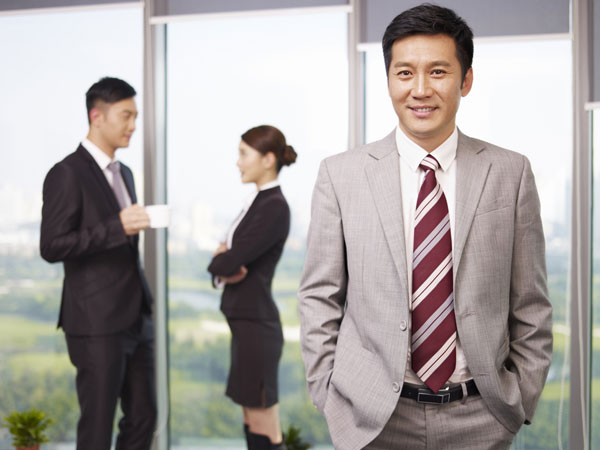 Are There Any Benefits Of Having A Male Boss