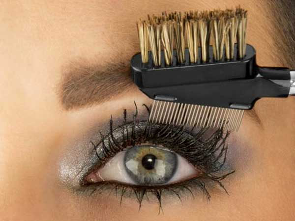 how to make your eyelashes really long with mascara