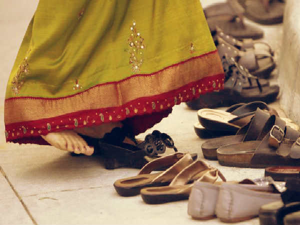 Why Indians Don't Wear Chappal At Home