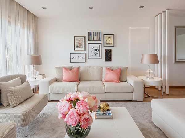 9 Ways To Decorate Your Living Room - Boldsky.com