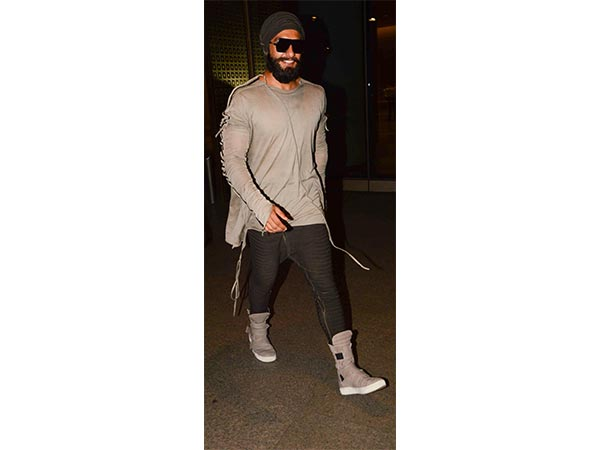 Candid Shot: Ranveer's Airport Lookbook