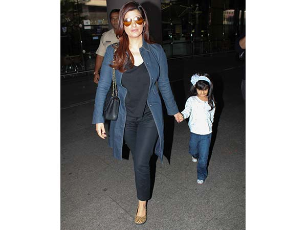 Twinkle Khanna Airport Look