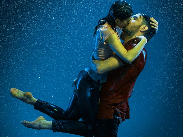Kissing in the rain kiss in the rain kissing couple in rain array thecheapjerseys Choice Image