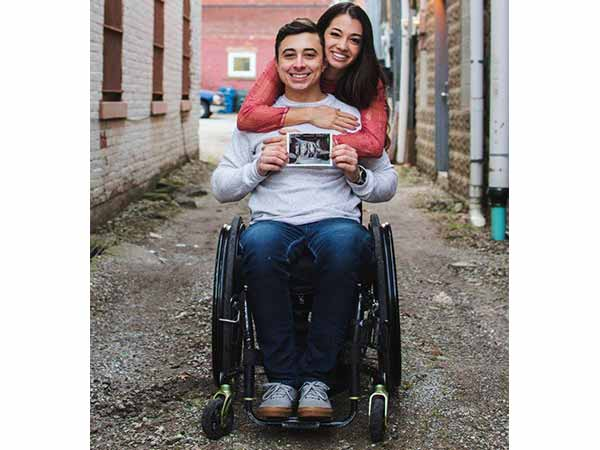 This Paraplegic Man and His Fiancée Announced Their Pregnancy in the Best Way Possible