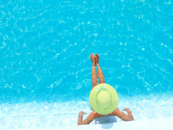 how to minimize chlorine exposure when swimming
