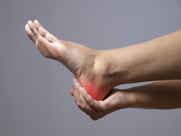 this natural remedy helps the elderly to get rid of heel