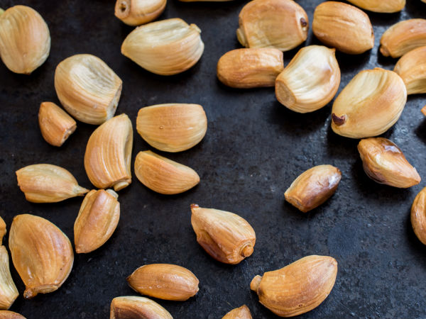 What Happens To Your Body If You Eat 6 Roasted Garlic Cloves!