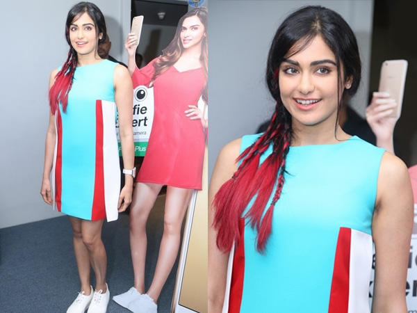 adah sharma at mobile phone launch