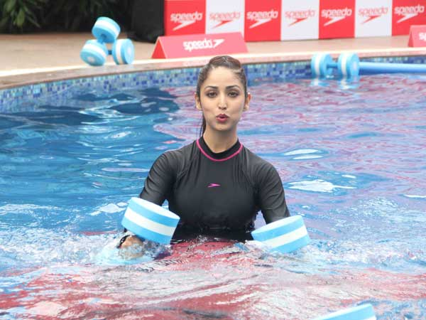 Yami Gautam's Attempt To Fit The Event Goes Wrong