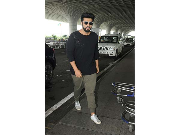 Mubarakan Star Cast At Airport
