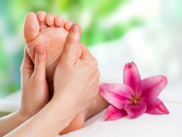 foot massage for blood circulation