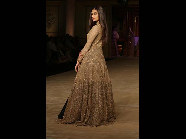 athiya shetty at india couture week