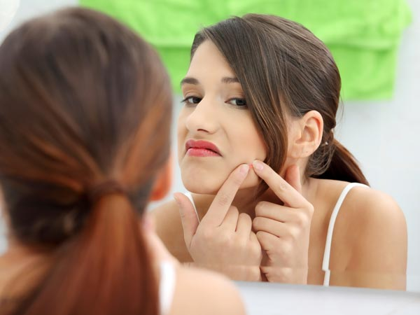 Bad Skin Habits That No Dermatologist Will Want You To Follow