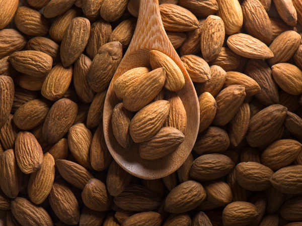 See What Happens To Your Body If You Eat Four Almonds Every day