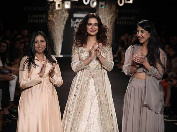 dia mirza as a showstopper at lakme fashion week