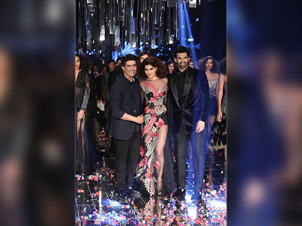 manish malhotra collection at lakme fashion week