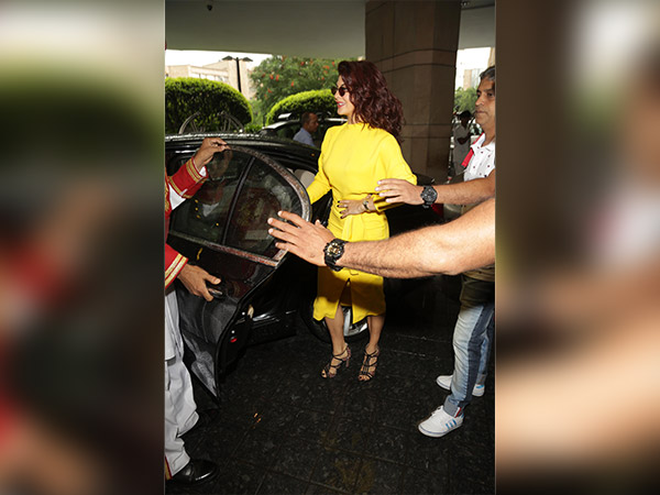 jacqueline fernandez for a gentleman promotion in new delhi