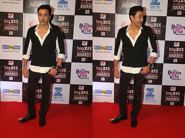 bobby deol at big zee entertainment awards