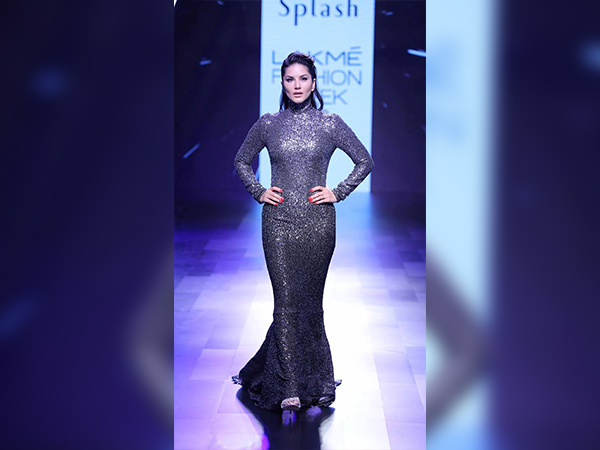 LFW 2017: Sunny Leone And Randeep Hooda Sizzled The Ramp With Hotness