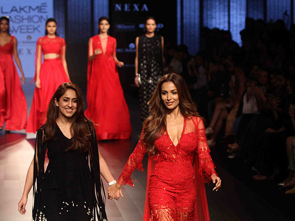 LFW 2017: Malaika Arora Slayed In Red