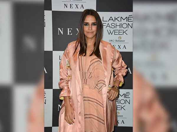 Simple Yet Stylish; Celebs For Manish Malhotra's Closing Show At LFW 2017