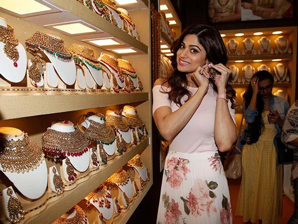 Prettiness Alert! Shamita Shetty's Look Will Amaze You