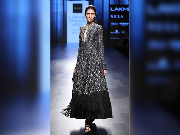 ridhi mehra collection at lakme fashion week 2017