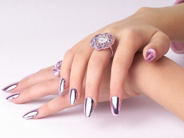 Trending Chrome Nail Polish Ideas