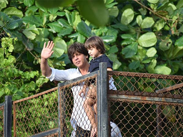 shah rukh khan with abram celebrating bakhri eid