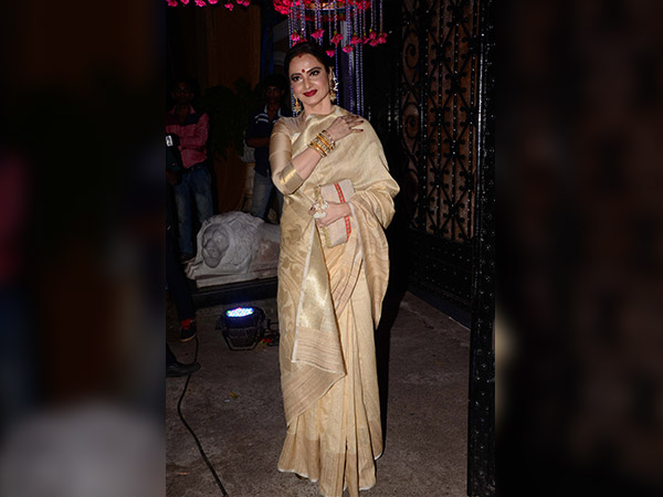 celebrities at rakesh roshan's birthday party