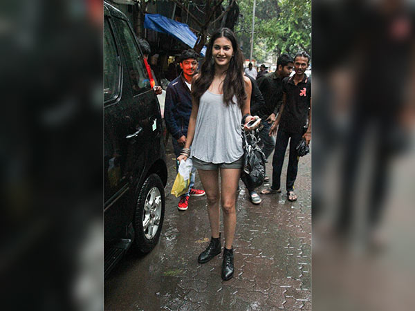 Kiara Advani Is Setting Monsoon Style Goals