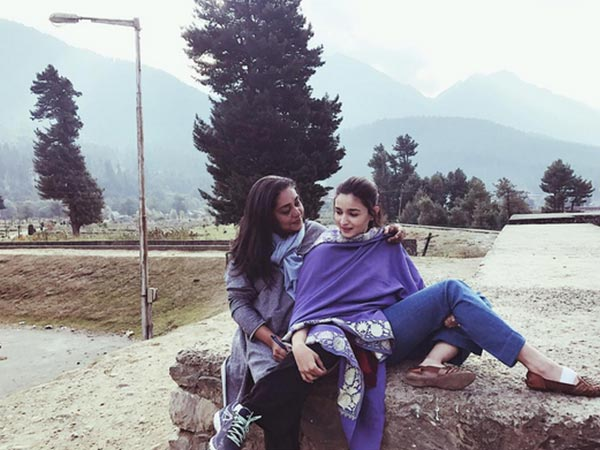 Kashmiri Shawl On Casuals; Alia Bhatt's Latest Style Trend?