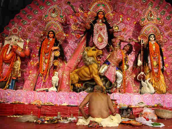 5 Ways to Experience Kolkata Durga Puja Festival