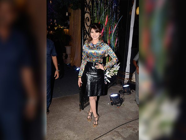 urvashi rautela at rakesh roshan birthday party