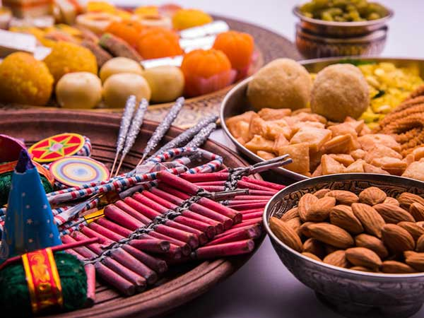 Here Are 10 Simple Diet Tips To Remain Healthy During Diwali
